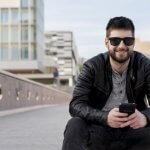 ژست عکاسی مردانه در فضای باز