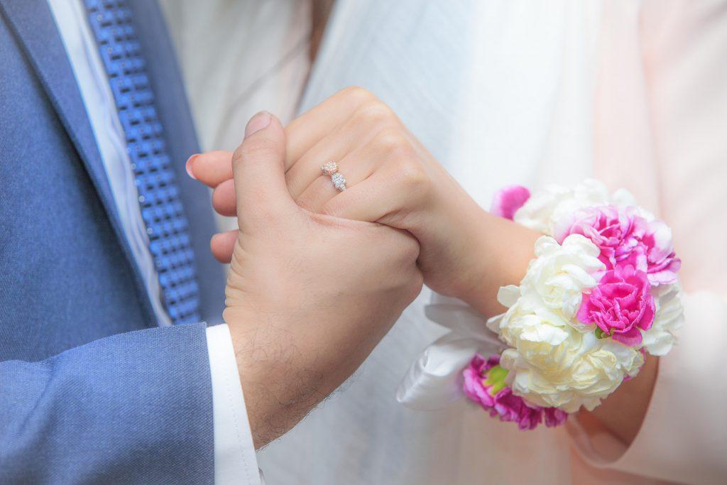 دست در دست عروس و داماد