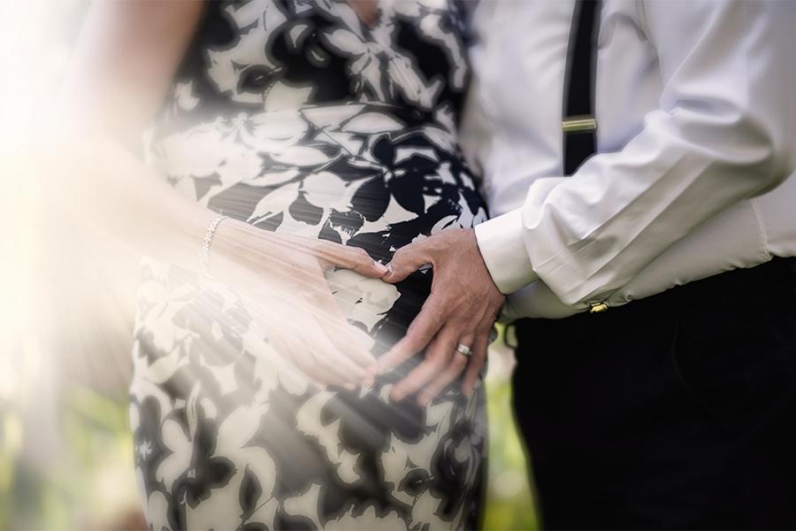 نمونه عکس آتلیه ای از دوران حاملگی ، عکاسی بارداری در تبریز