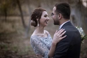 عکاسی از عروس و داماد در باغ